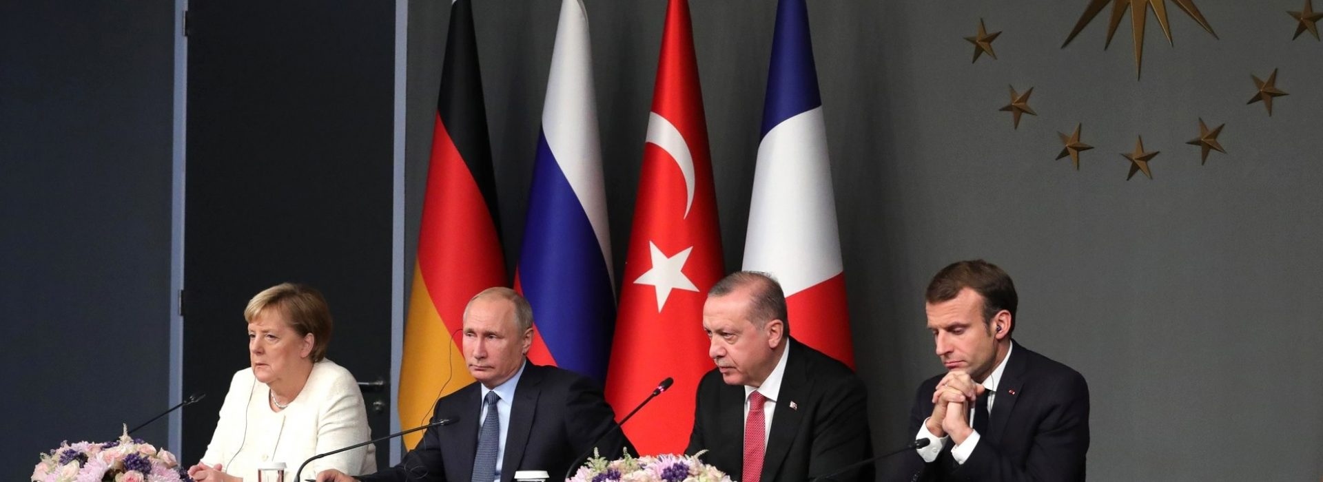 00Merkel,_Putin,_Erdoğan_and_Macron_during_the_joint_press_release